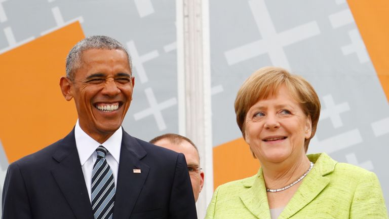 German Chancellor Angela Merkel and former U.S. President Barack Obama attend a discussion in Berlin on 25 May, 2017