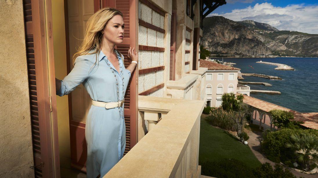 Julia Styles in Riviera