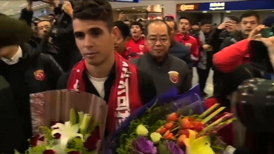 Oscar arriving at Shanghai airport.