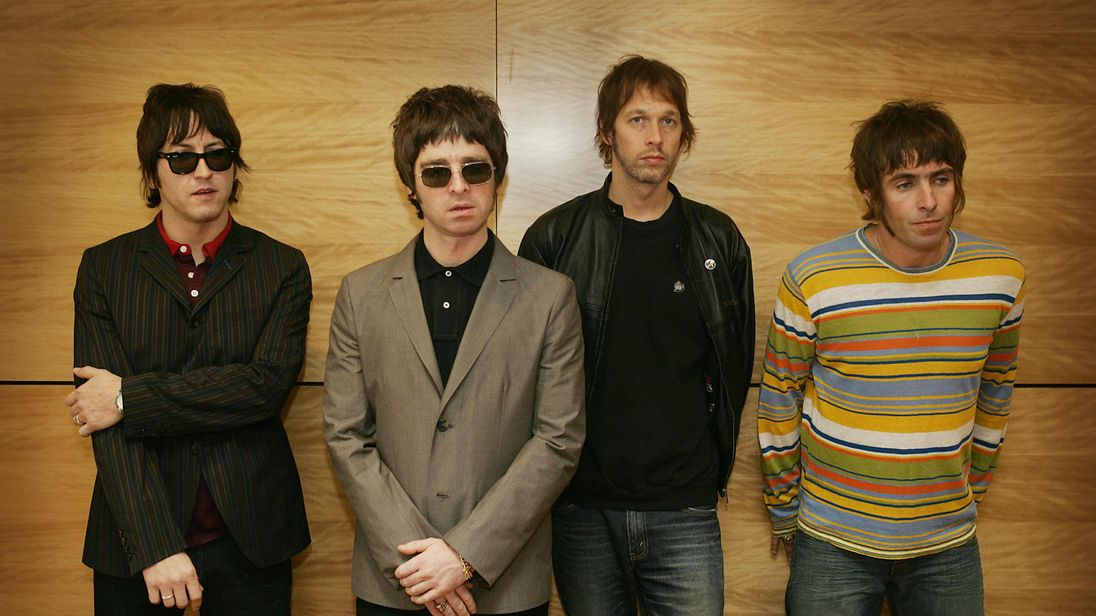 Liam Gallagher begs brother Noel to get Oasis back together
