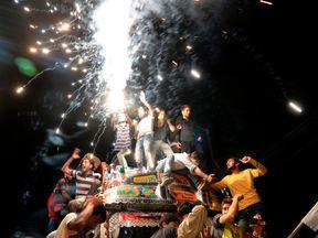 Kashmiri cricket fans celebrate after Pakistan's win