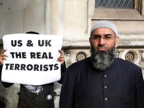 October 2012: Anjem Choudary protests in support of Abu Hamza's appeal against US extradition