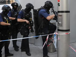 Counter terrorism officers near London Bridge