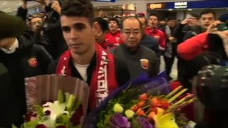 Oscar arriving at Shanghai airport.