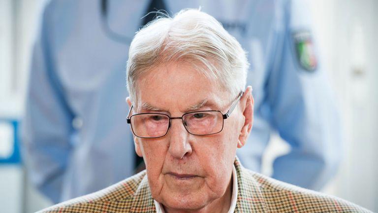 Former Auschwitz guard Reinhold Hanning in a German court last year