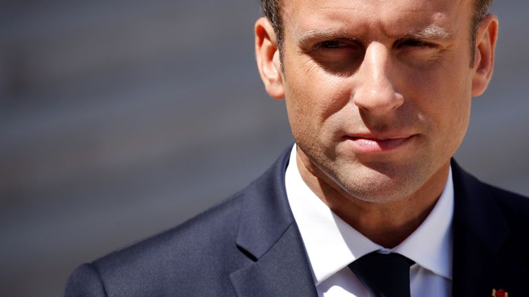 Success for Mr Macron would humiliate the long-standing Socialists and Republicans