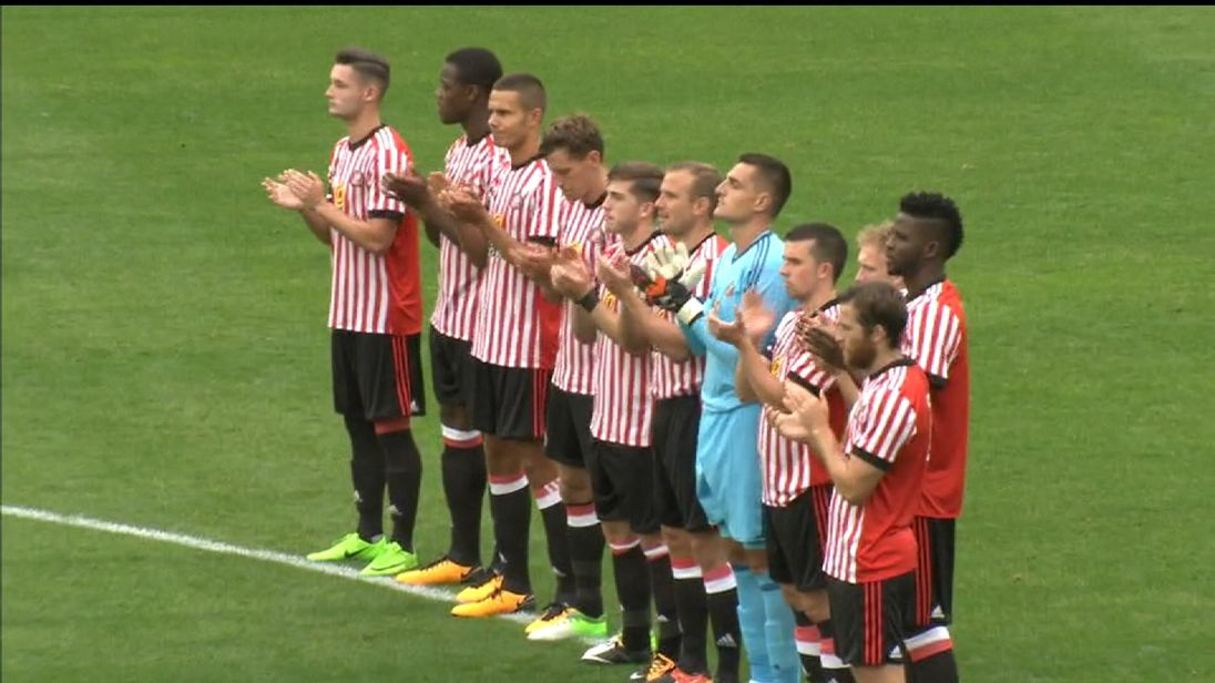 Sunderland FC applause for mascot Bradley Lowery, who died after a battle with cancer