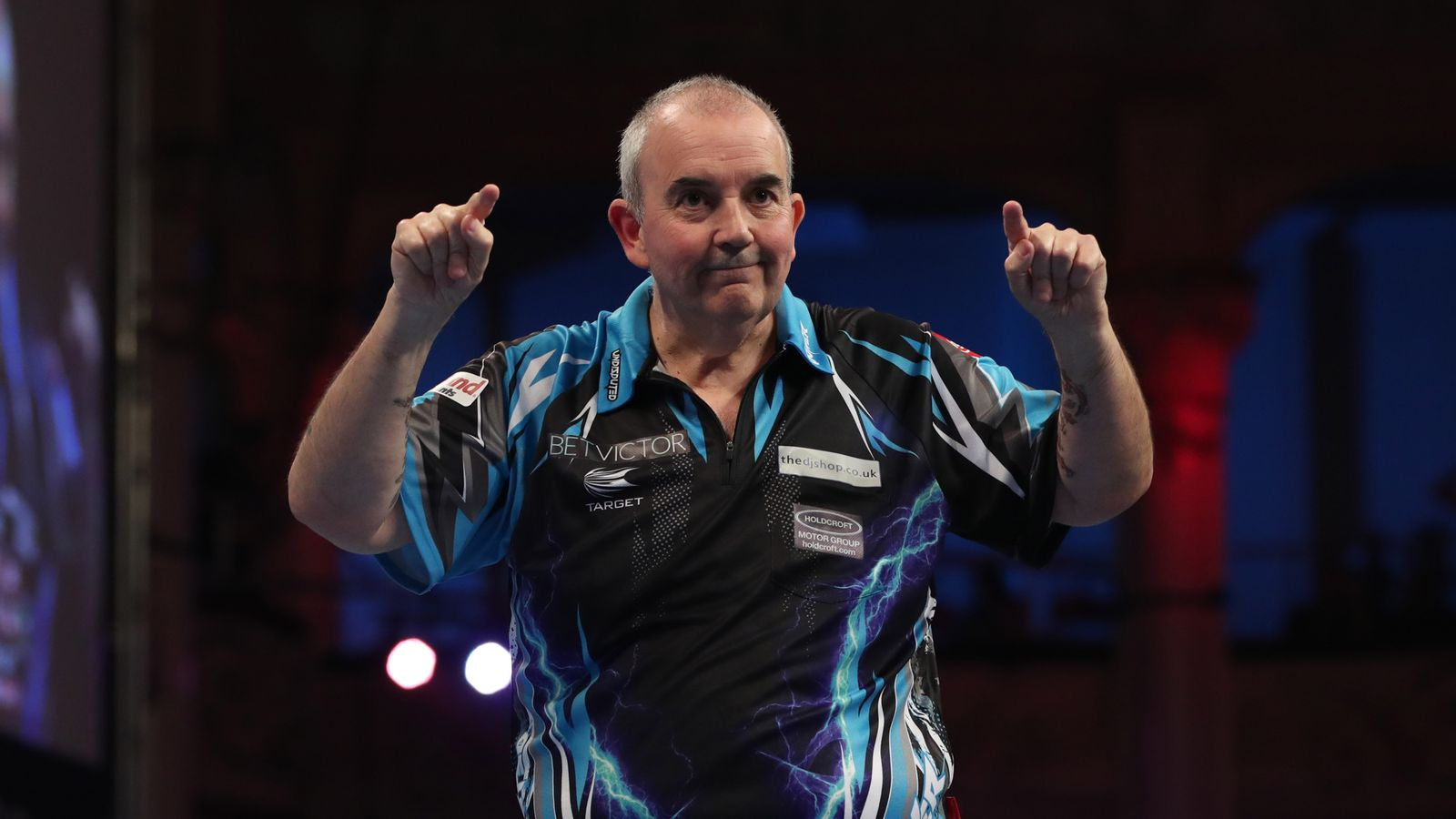 phil taylor destroys michael van gerwen to reach world matchplay