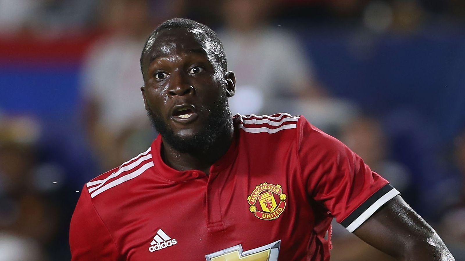 Manchester United seek advice on racist Romelu Lukaku chant