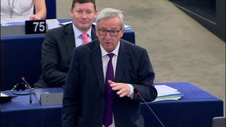 Jean-Claude Juncker accuses the EU parliament of lacking respect