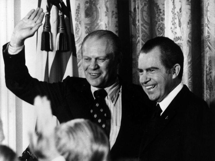 Gerald Ford (L) and Richard Nixon