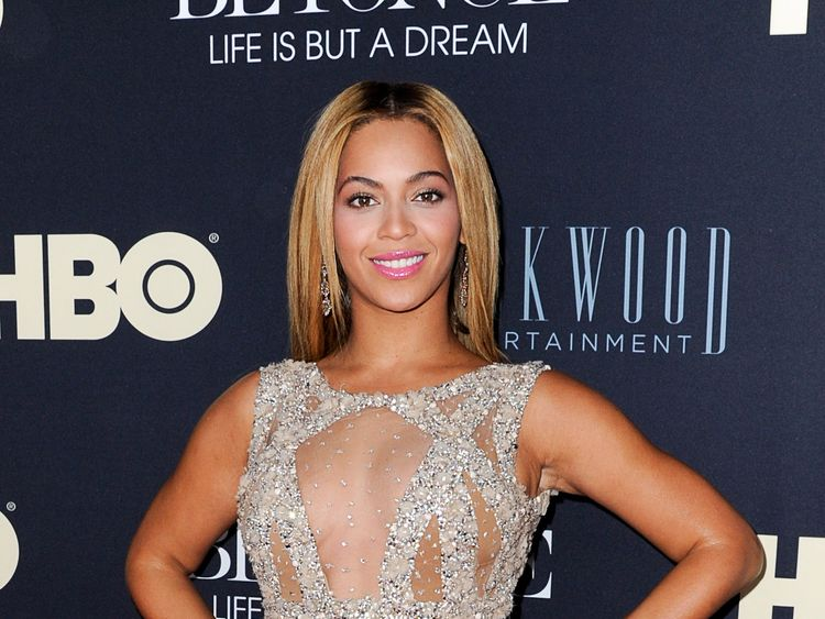 FEBRUARY 12: Beyonce Knowles attends 'Beyonce: Life Is But A Dream' New York Premiere at Ziegfeld Theater on February 12, 2013 in New York City. (Photo by Dave Kotinsky/Getty Images)