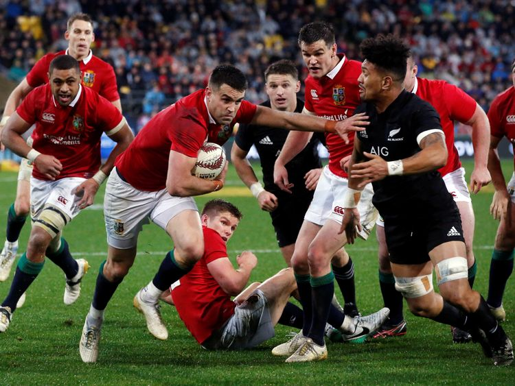 Connor Murray scores against the All Blacks