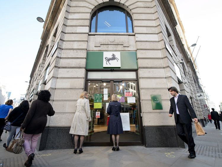 Lloyds and Yorkshire to shut branches