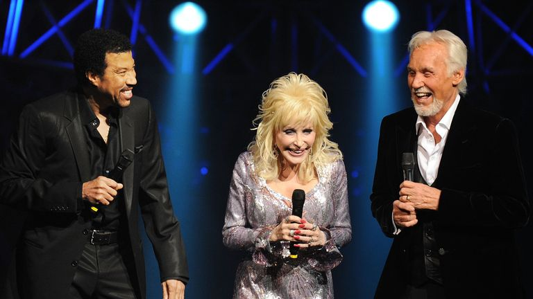 Kenny Rogers and Dolly Parton announce final performance ...