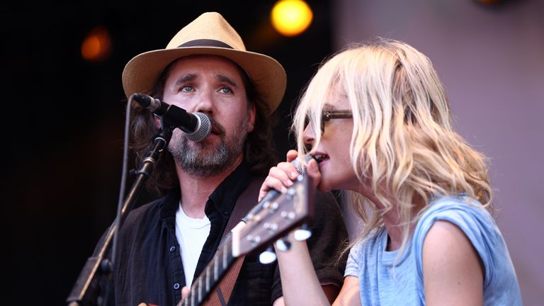 Kevin Drew and Metric's Emily Haines performing on Broken Social Scene