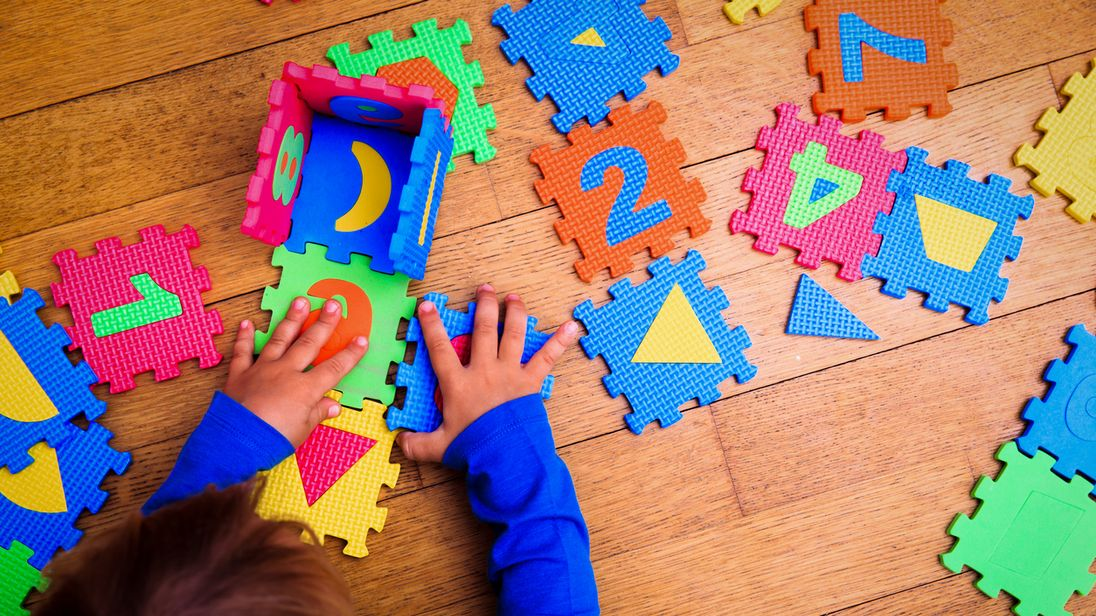 chaotic 30 hours free childcare scheme devalues nursery workers