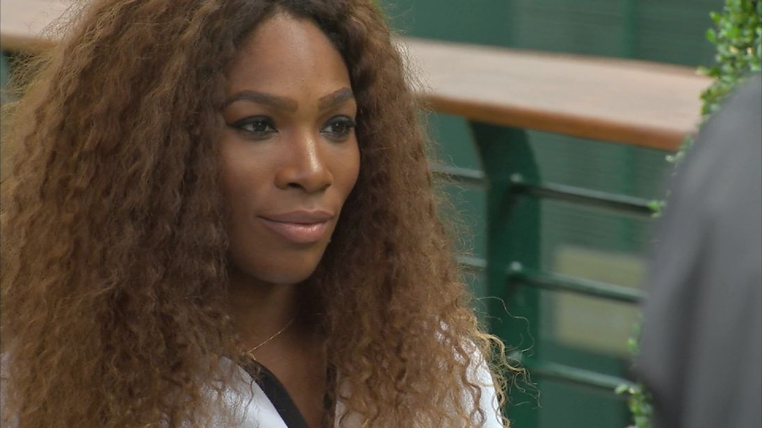 American tennis star Serena Williams has issued a passionate call for black women to be 'fearless' in the fight for equal pay.