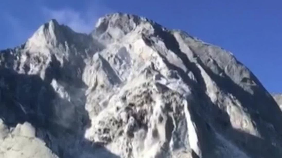 Avalanche in Swiss Alps near Italian border caught on video