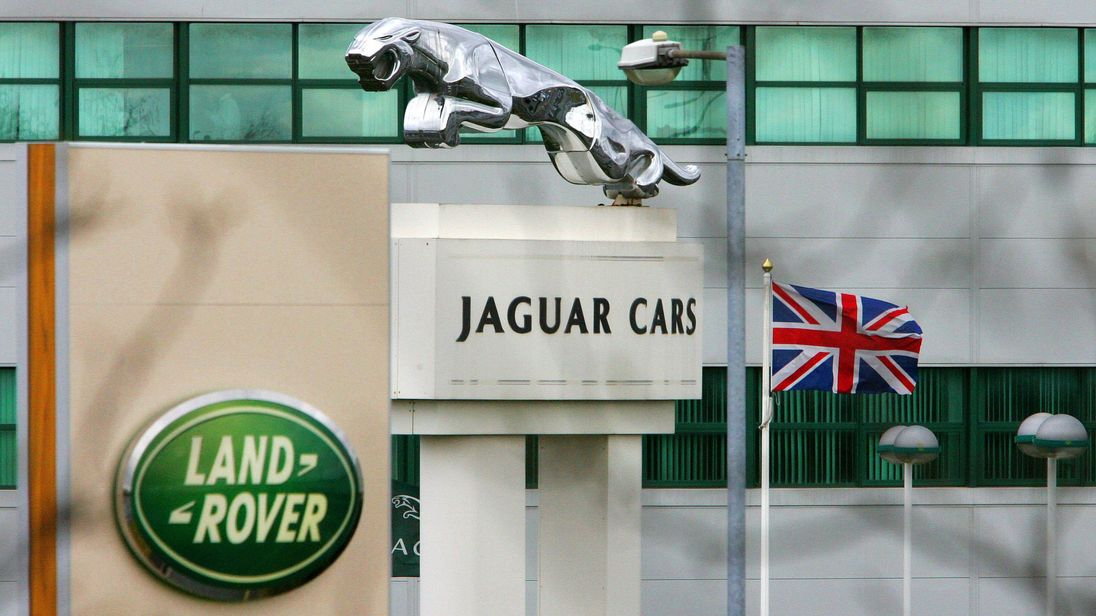 Hard Brexit would cost Jaguar Land Rover £1.2bn a year
