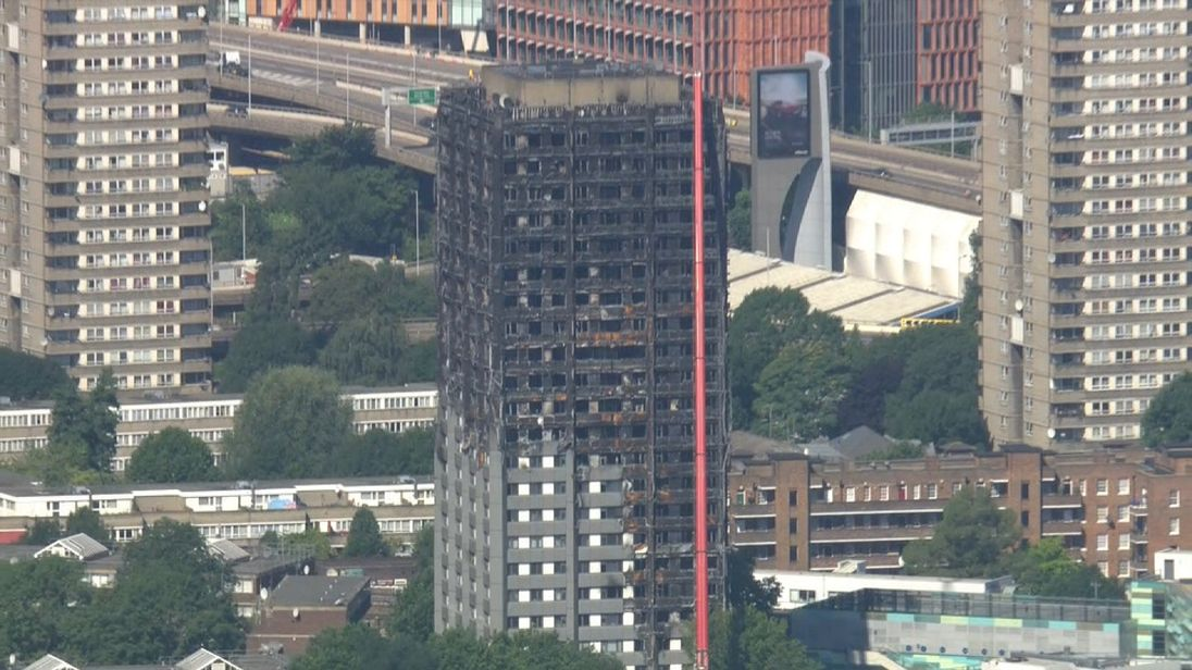 Tower blocks 'must be fitted with sprinklers'