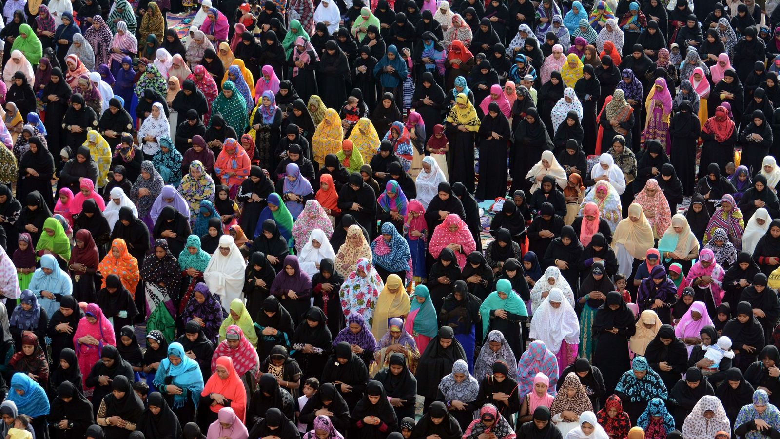 Triple talaq: Instant divorce system ruled illegal in India