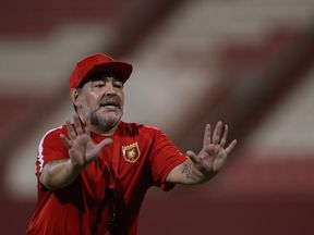 FUJAIRAH, UNITED ARAB EMIRATES - JULY 24: Diego Maradona, the new head coach of Fujairah FC gestures to players during a training session at Fujairah Stadium on July 24, 2017 in Fujairah, United Arab Emirates. (Photo by Francois Nel/Getty Images)