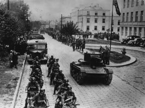 Germany forces move into Poland in October 1939