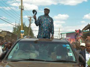 Kenyan opposition leader Raila Odinga addresses supporters in Kibera