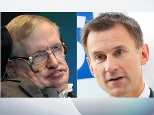 Jeremy Hunt in fresh attack on Stephen Hawking over NHS