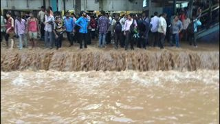 Train flooding in Mumbai