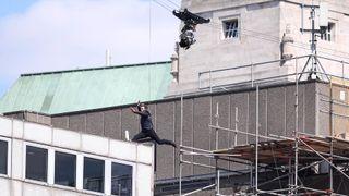 Tom Cruise stunt goes awry on M:I6