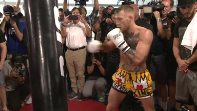 Froch: McGregor must use extra height