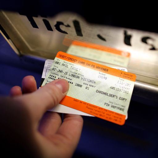 Rail workers hit out at fare and pay rise change
