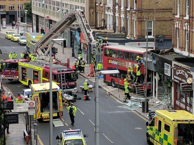 10/08/2017: Bus crash in Lavender Hill, near Clapham Junction, southwest London