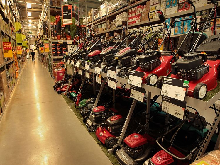 B&Q saw its like-for-like sales decline almost 5% overall