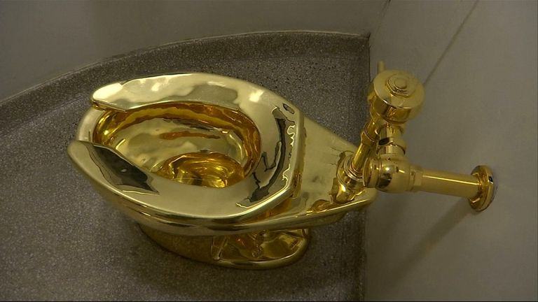 The fully functional toilet is made out of 18 carat gold