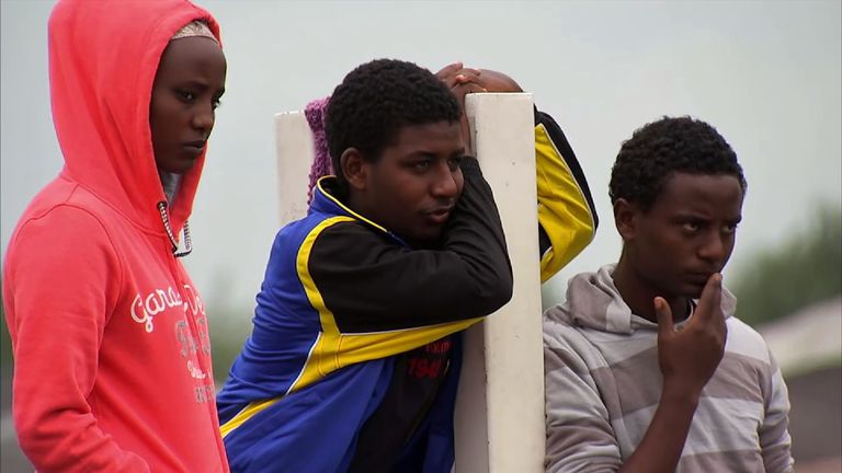 Migrants in Calais are on the rise again