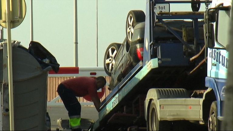 A car is removed in Cambrils the next morning