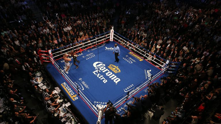 A birds-eye-view of the ring as the two men box