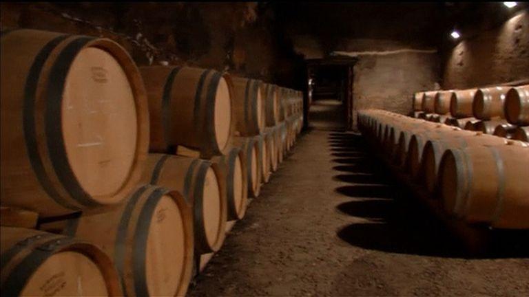 Barriques de vin en France