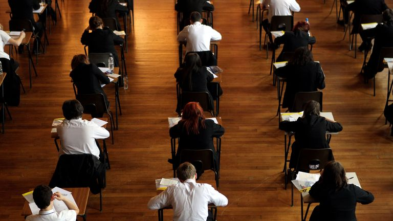 Figures show a 4% year-on-year drop in university applications