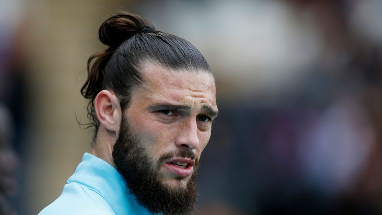 RTX33MUFCODE:14771662MEDIA DATE1 Apr. 2017PHOTOGRAPHER:Reuters StaffHEADLINE:West Ham United's Andy Carroll during the warm upSIZE:4470px × 2814px (~35 MB) 37.8 cm × 23.8 cm (300dpi)