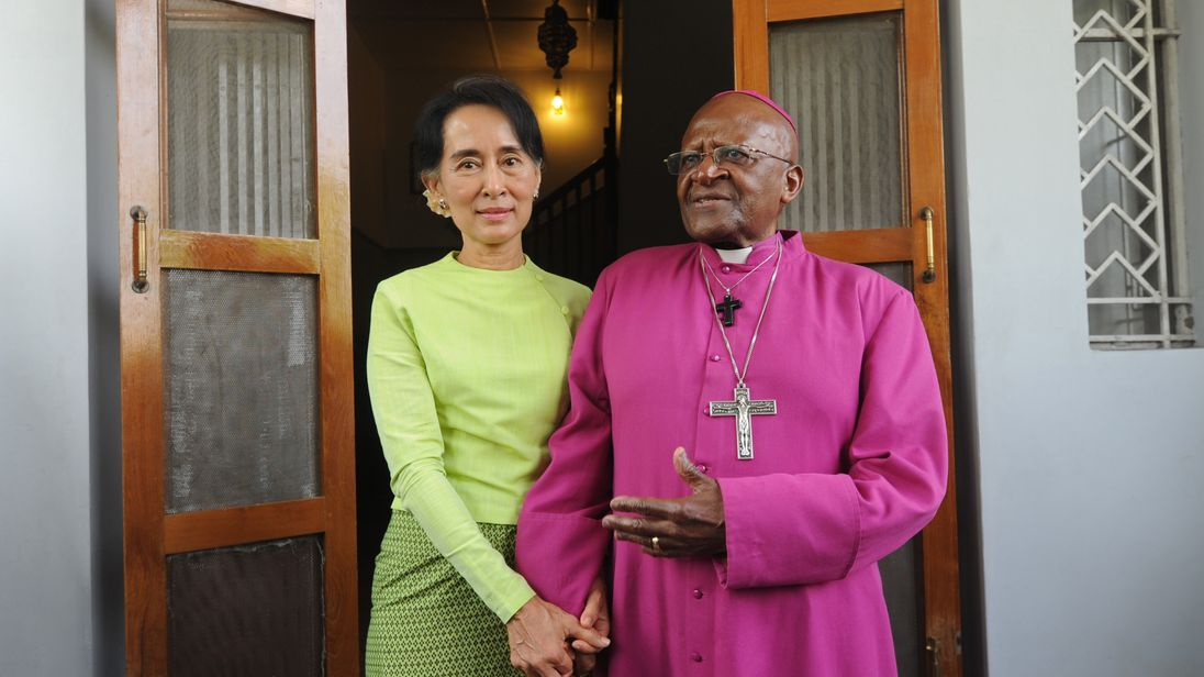 Desmond Tutu met with fellow Nobel prize Winner Aung San Suu Kyi in 2013