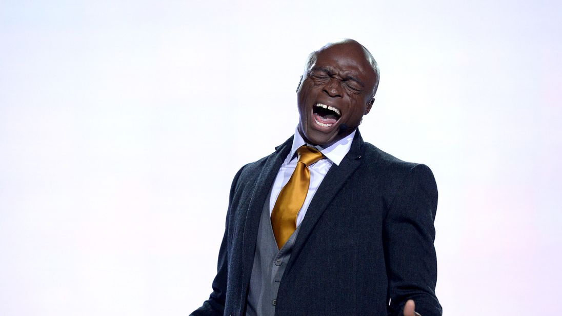 Singer Seal rehearses onstage for 'The Passion' at Woldenberg Park