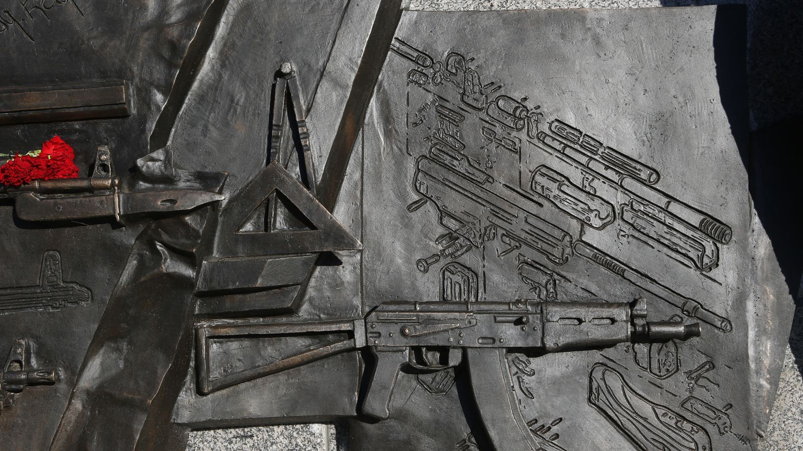 Nazi gun uncovered on new statue for Russian AK-47 inventor Mikhail Kalashnikov