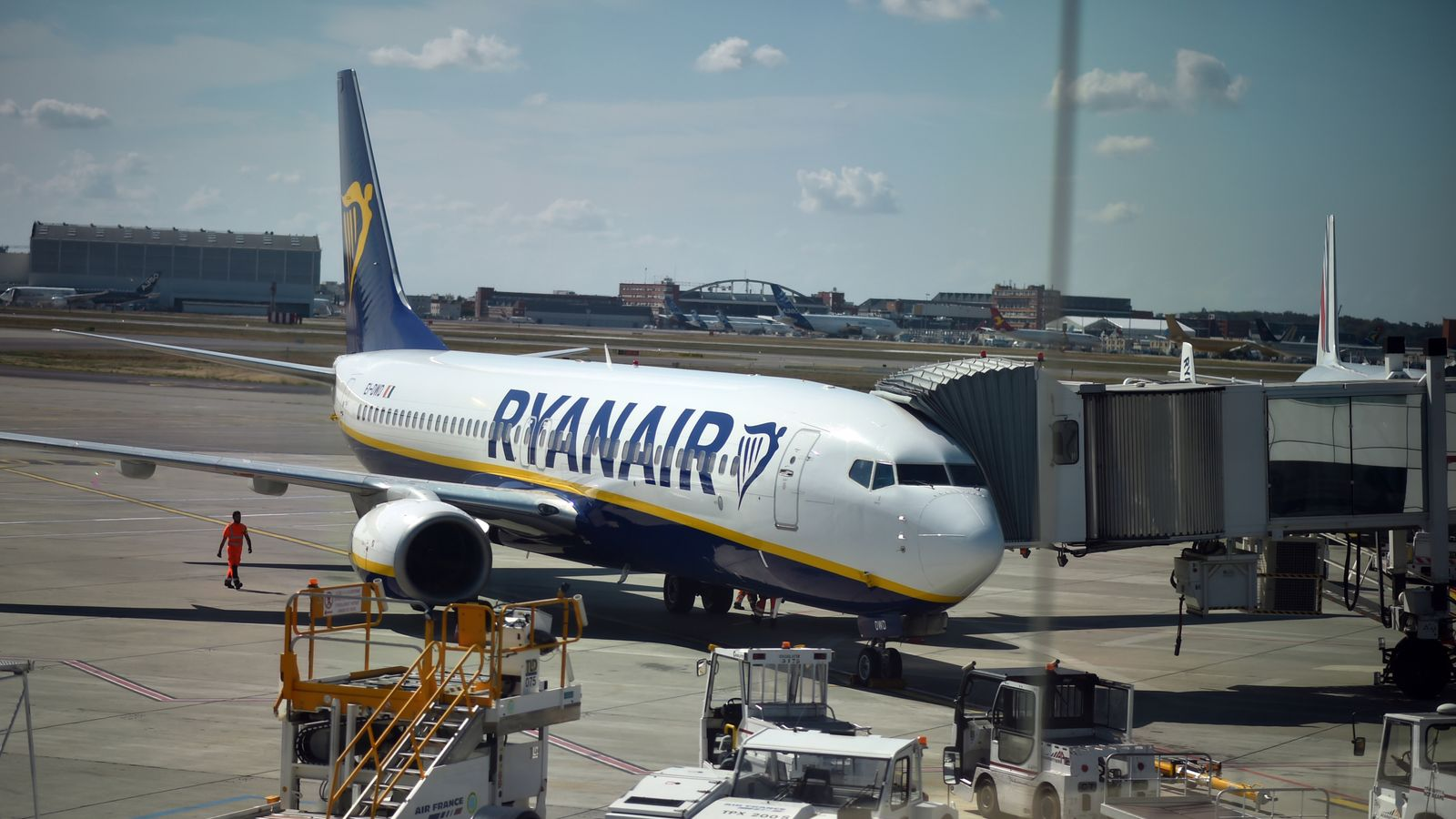 Ryanair Cancelling 40 50 Flights A Day But Why Real