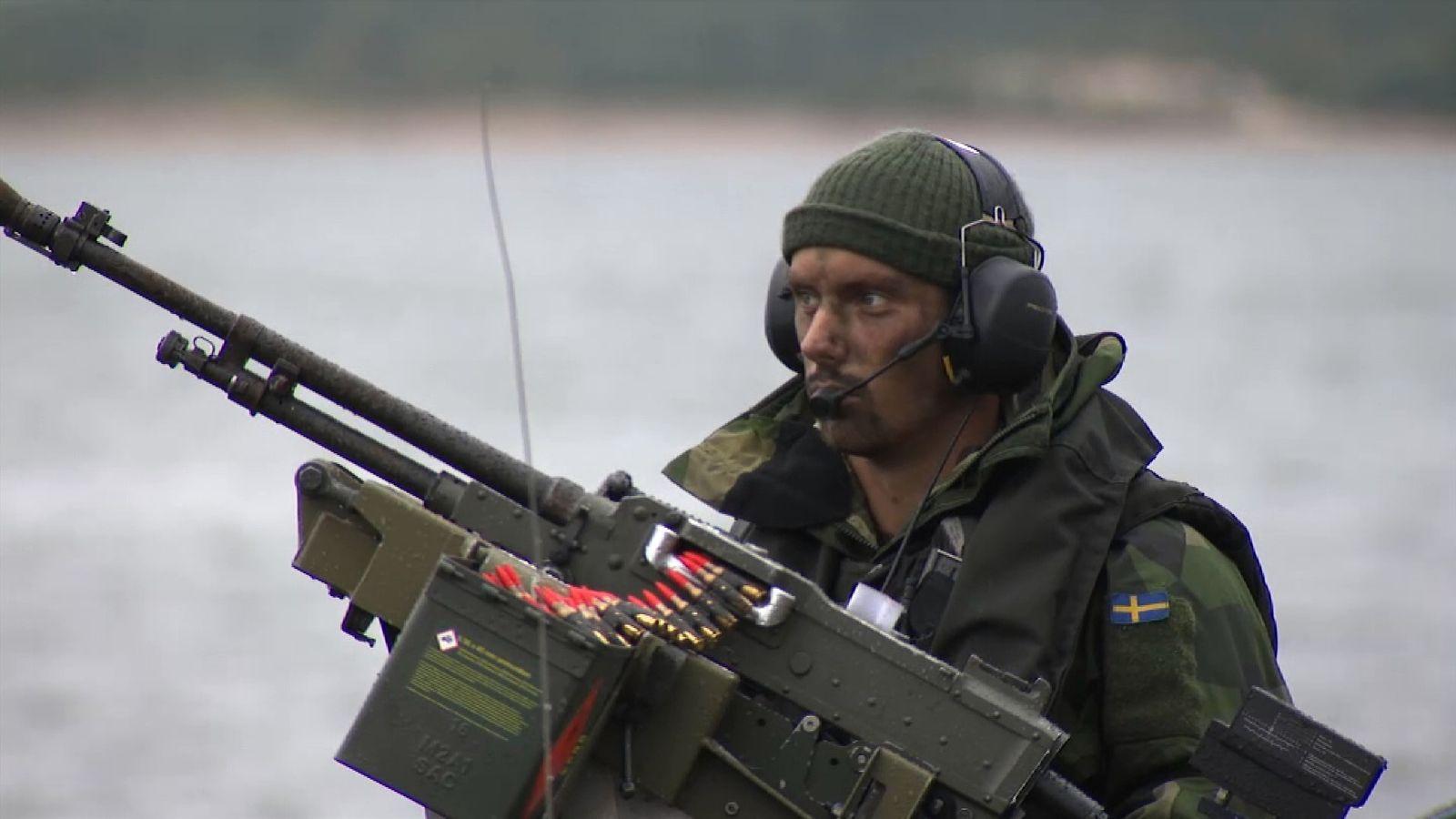 Aurora 17: Nervous Sweden stages huge military exercise