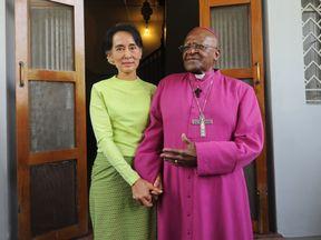 Desmond Tutu met with fellow Nobel prize Winner Aung San Suu Kyi in 2013