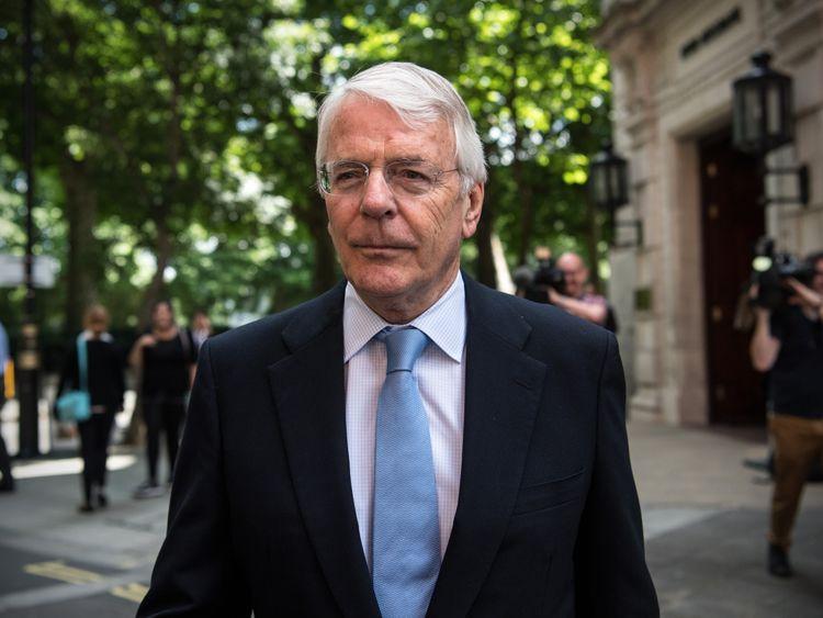 Major warns against 'demagogues' in UK politics